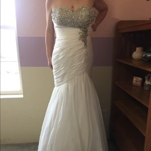 White formal gown / Wedding dress